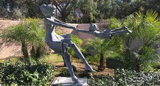 IMG_6043-statue-motherandchild-1.png